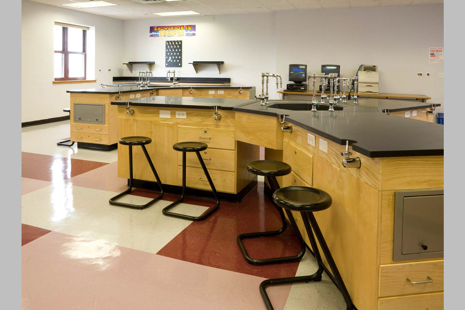 Science lab at the Acorn High School for Social Justice. Project by OCV Architects.