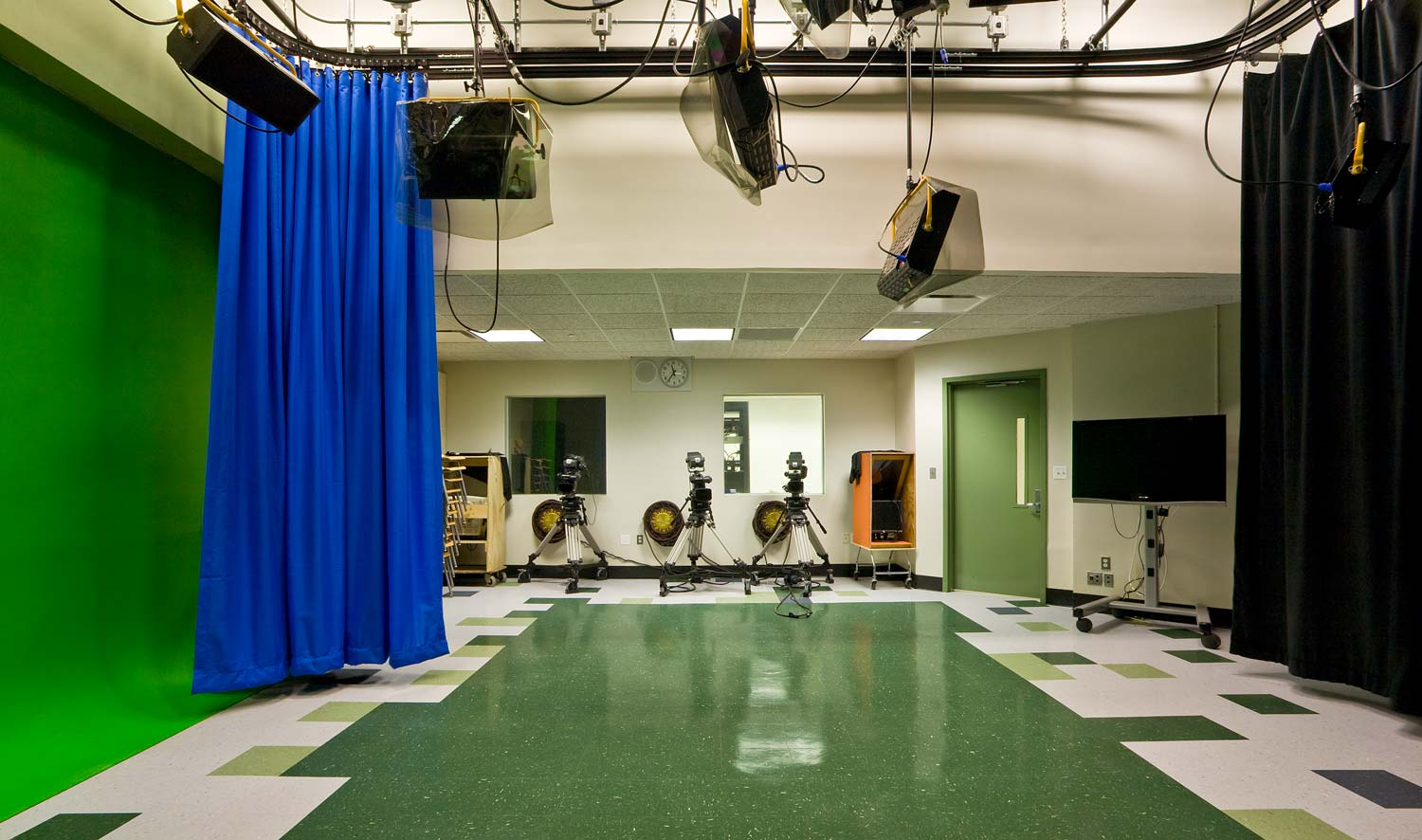 The school is equipped with a high tech audio-visual laboratory.