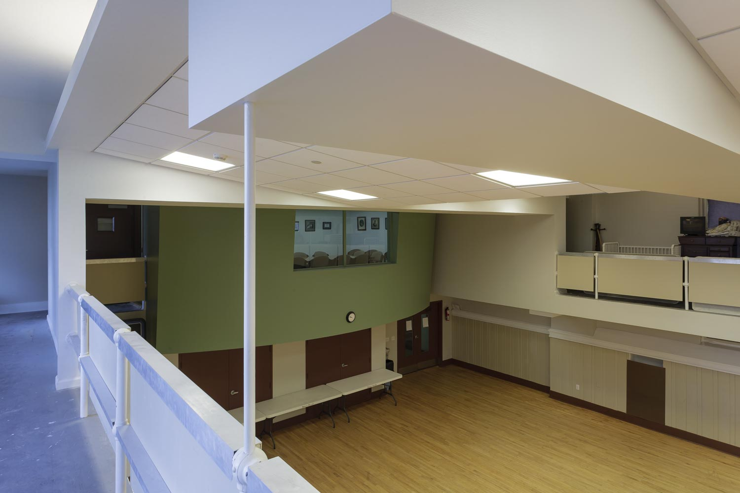 The project features a renovated gym at the first floor.