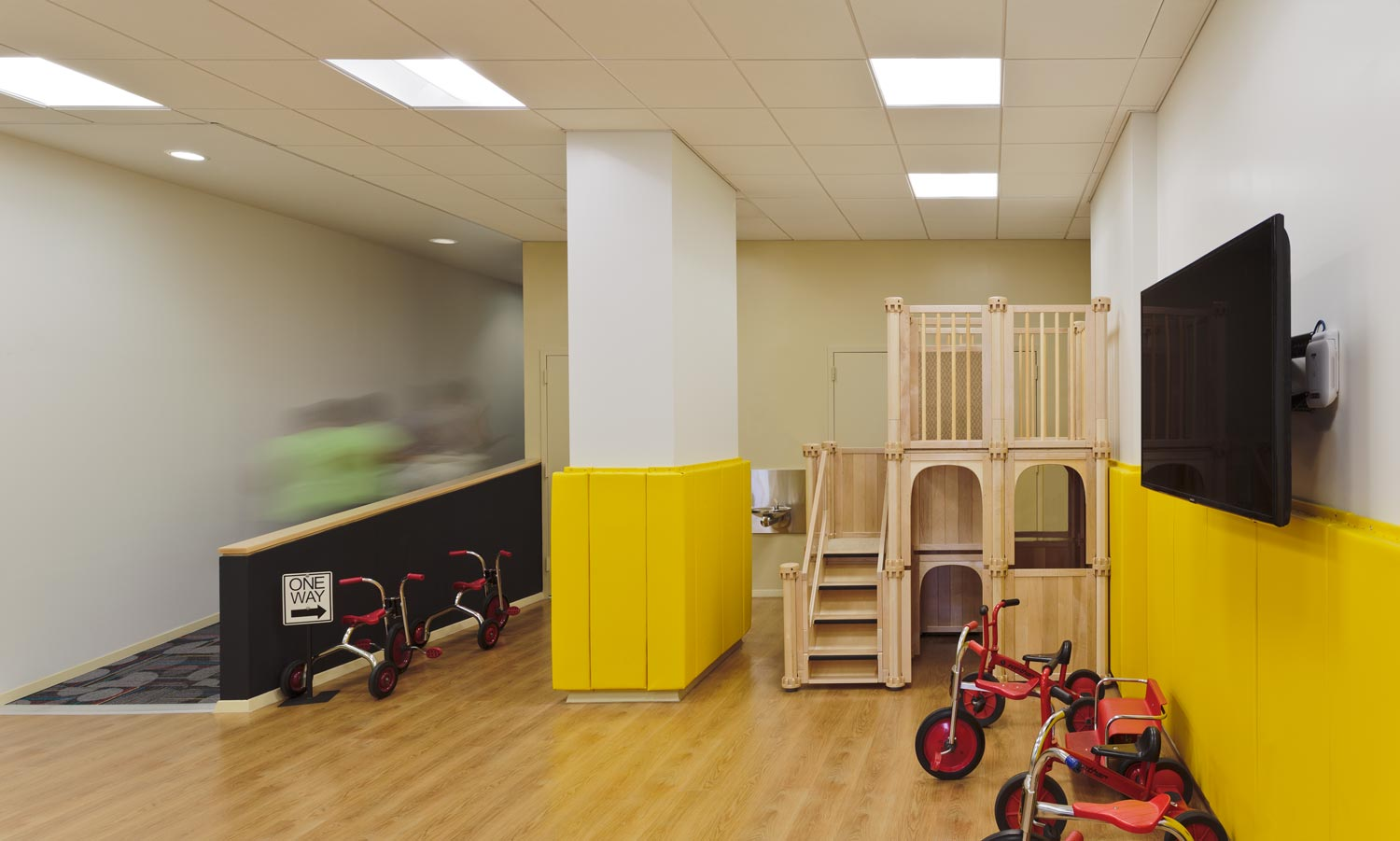 The preschool is equipped with a gymnasium, a multi-purpose room, and outdoor space.