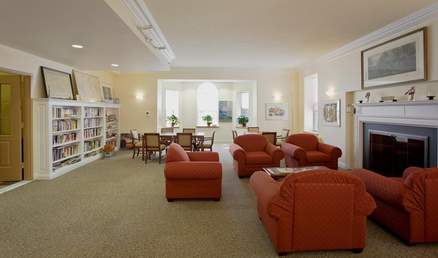 Tenant amenities at Serviam Gardens include a library with reading rooms and computer station.